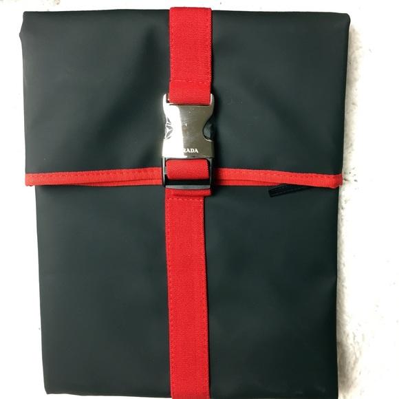 PRADA Luna Rossa Men Travel Pouch Toiletry Bag Black    Red Brand ... cb27bca0c8